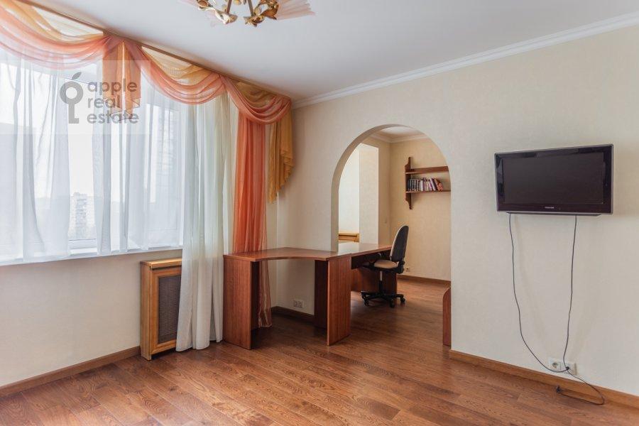 Детская комната / Кабинет в 4-комнатной квартире по адресу Оршанская улица 9