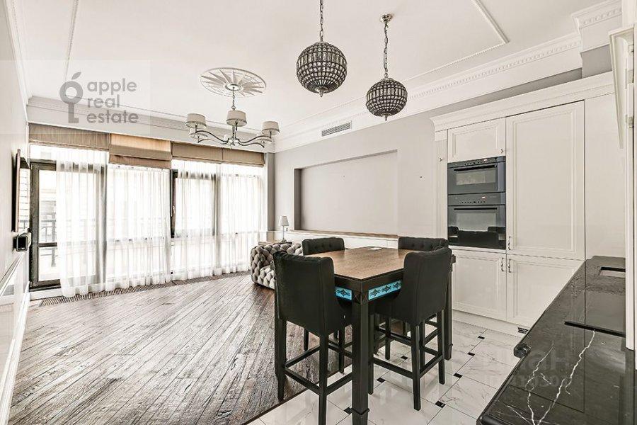 2-room apartment at Malyy Kozikhinskiy pereulok 11