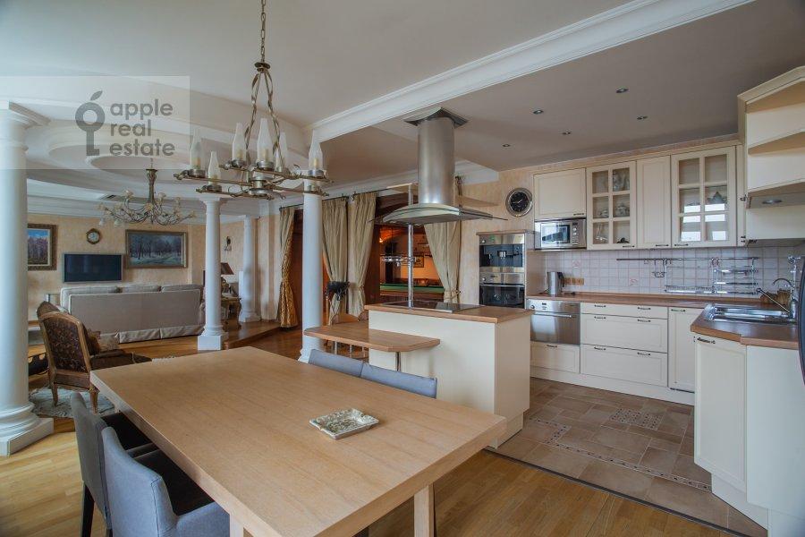 Kitchen of the 6-room apartment at Michurinskiy prospekt 29