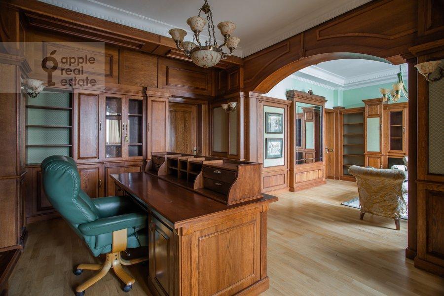 Children's room / Cabinet of the 6-room apartment at Michurinskiy prospekt 29