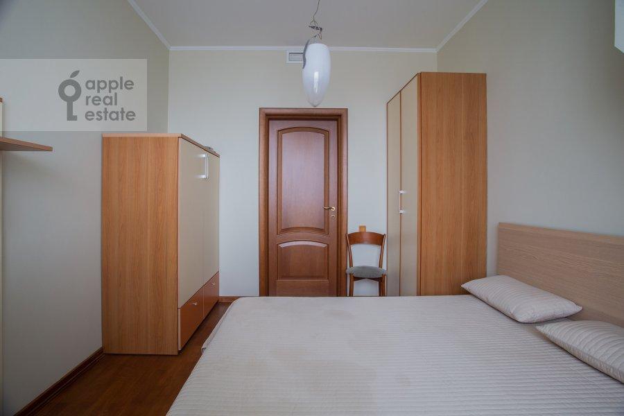 Bedroom of the 6-room apartment at Michurinskiy prospekt 29