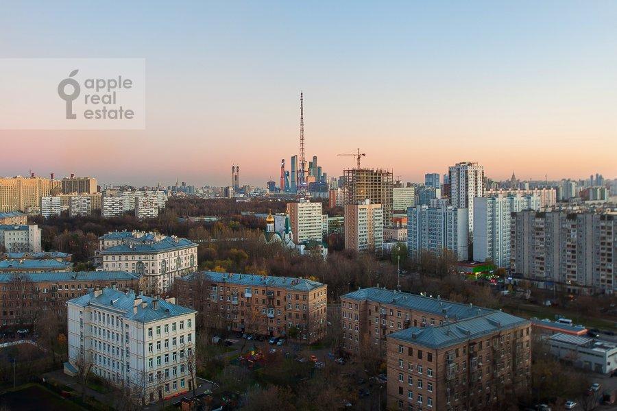 Вид из окна в квартире-студии по адресу Берзарина 28а к1