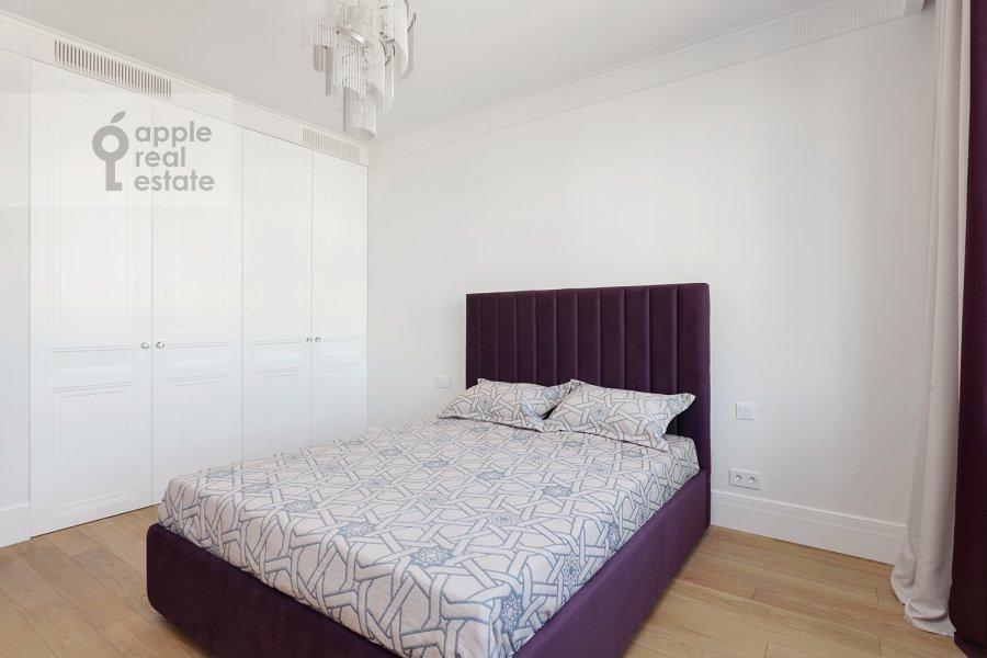 Bedroom of the 2-room apartment at Aviakonstruktora Sukhogo 2k1