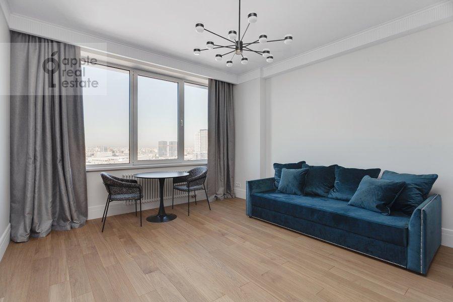 Living room of the 2-room apartment at Aviakonstruktora Sukhogo 2k1