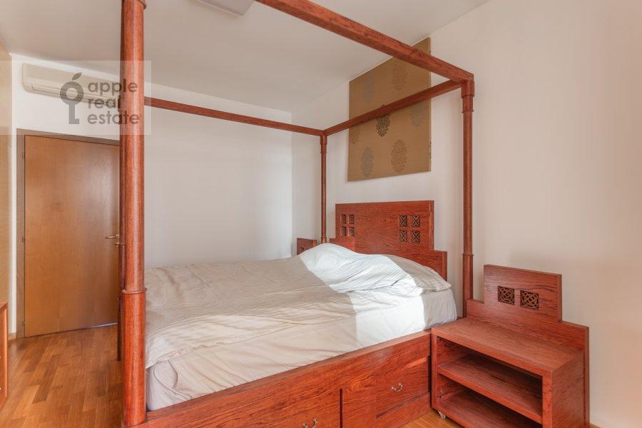 Bedroom of the 2-room apartment at Grokhol'skiy pereulok 28