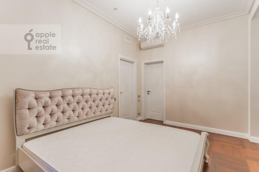 Спальня в 4-комнатной квартире по адресу Цветной бульвар 15к2