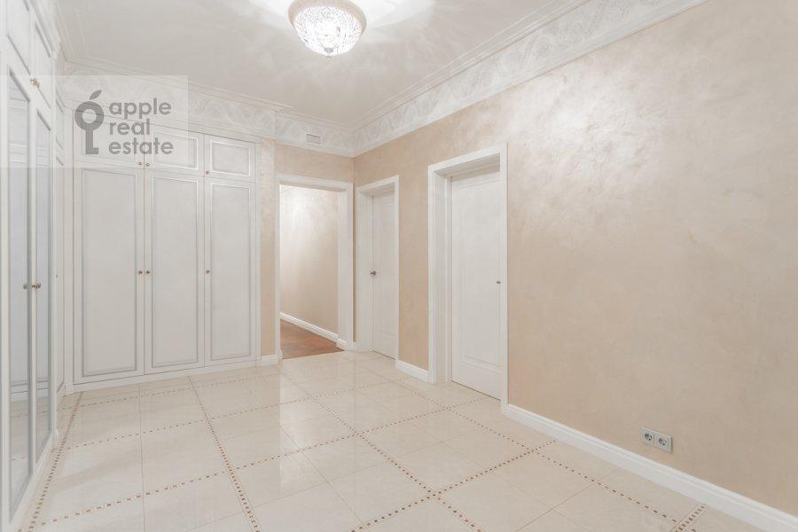 Коридор в 4-комнатной квартире по адресу Цветной бульвар 15к2