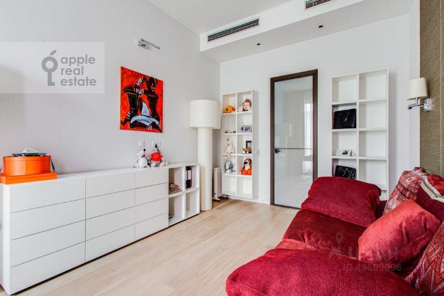 Children's room / Cabinet of the 3-room apartment at Bol'shaya Gruzinskaya ulitsa 69