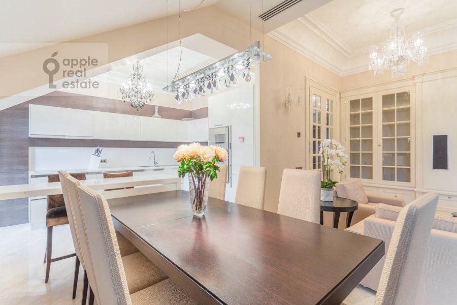 Кухня в 3-комнатной квартире по адресу 2-й Казачий переулок 4с1