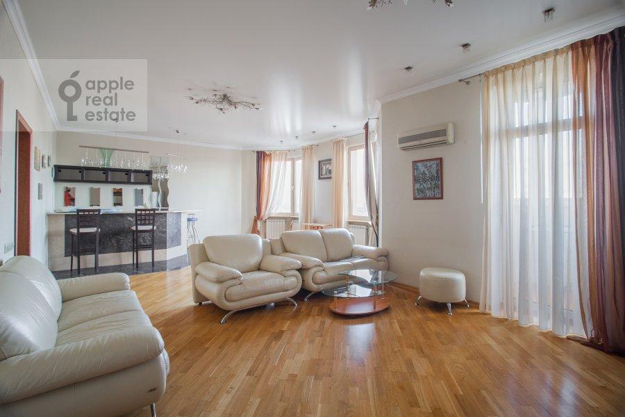 Гостиная в 6-комнатной квартире по адресу 5-й Войковский проезд 8к1