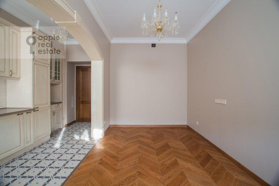 Living room of the 3-room apartment at Gusyatnikov pereulok 4S4