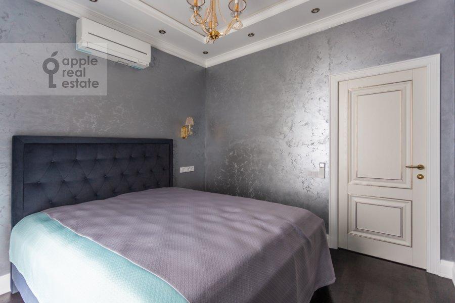 Спальня в 3-комнатной квартире по адресу Ходынская ул. 2