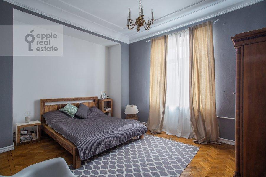 Bedroom of the 4-room apartment at Goncharnaya ulitsa 26k1