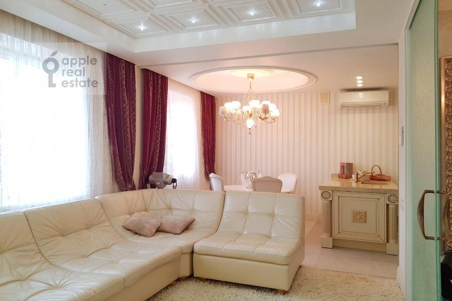 Living room of the 2-room apartment at Bol'shaya Sukharevskaya ploshiad' 16/18S2