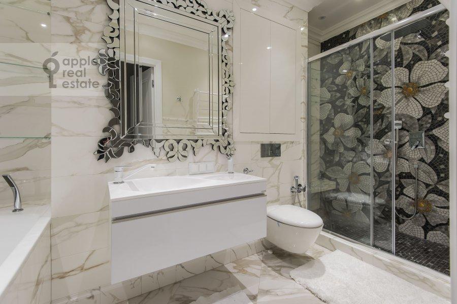 Bathroom of the 4-room apartment at Samory Mashela 2A