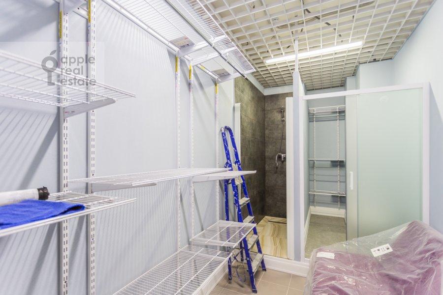 Walk-in closet / Laundry room / Storage room of the 3-room apartment at Khodynskaya ulitsa 2