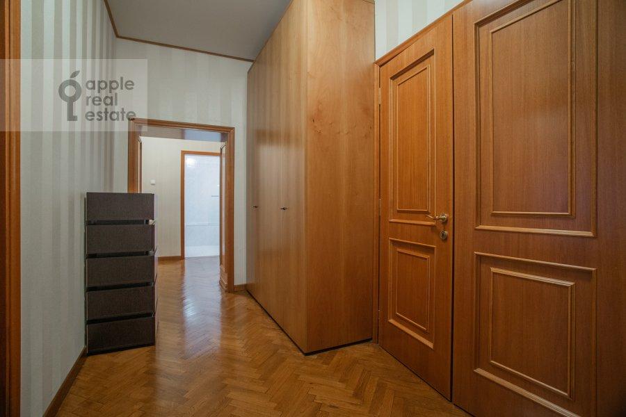 Коридор в 4-комнатной квартире по адресу 2-я Тверская-Ямская улица 54