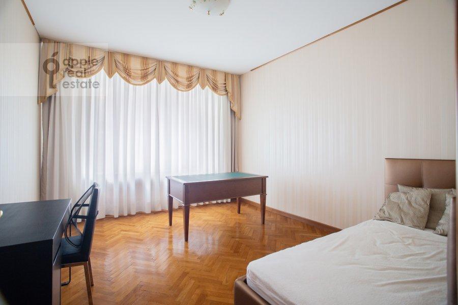 Детская комната / Кабинет в 4-комнатной квартире по адресу 2-я Тверская-Ямская улица 54
