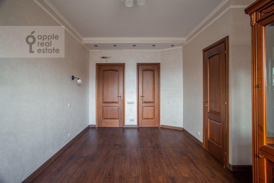 Спальня в 4-комнатной квартире по адресу Мичуринский проспект 6к1
