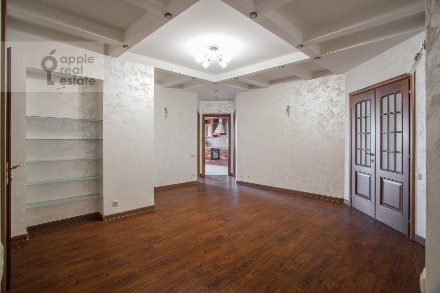 Коридор в 4-комнатной квартире по адресу Мичуринский проспект 6к1