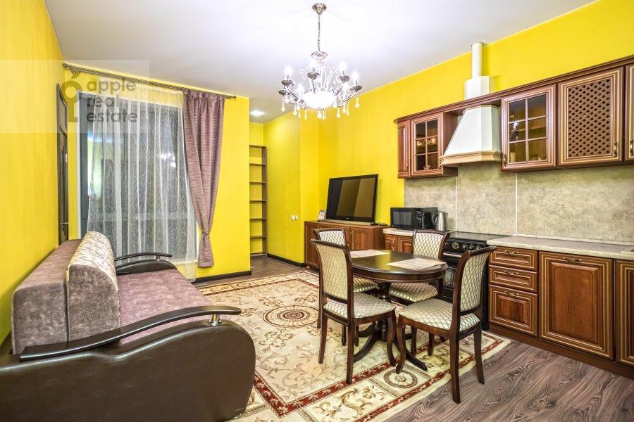 Living room of the 2-room apartment at Bol'shaya Andron'evskaya ulitsa 7