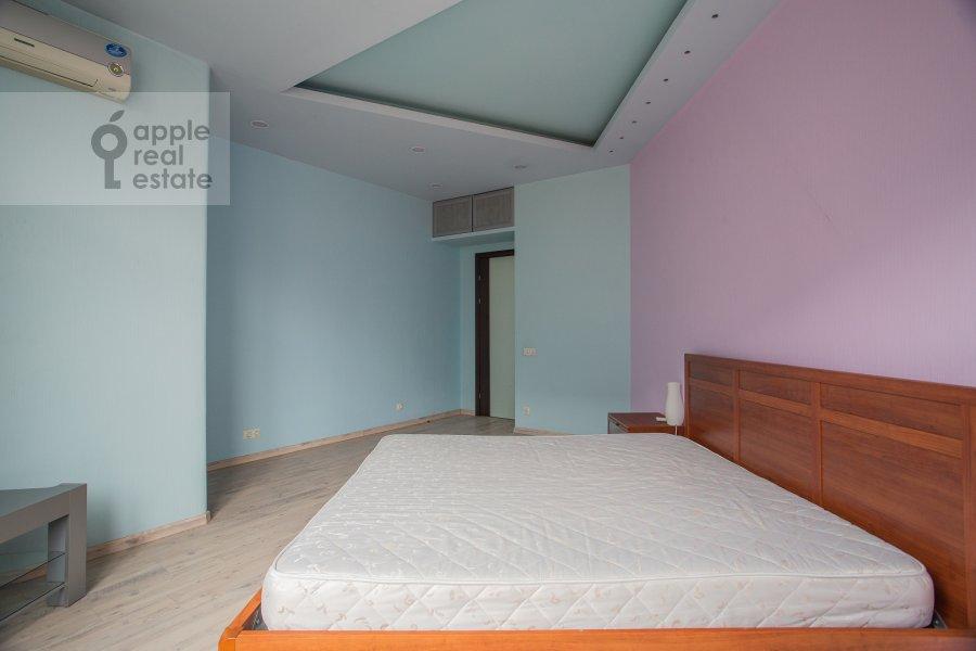 Bedroom of the 3-room apartment at Leningradskiy prospekt 76k4