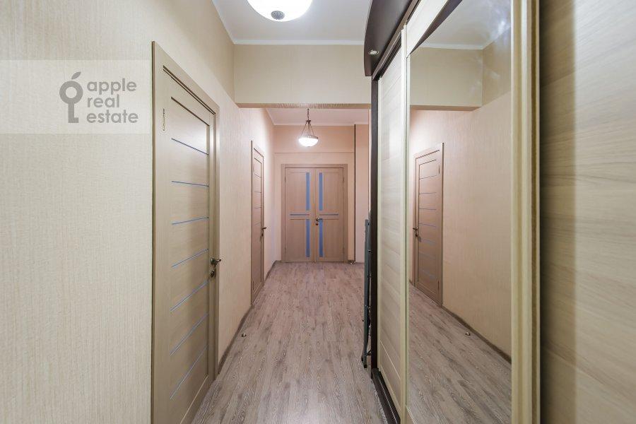Corridor of the 4-room apartment at Sharikopodshipnikovskaya ulitsa 2