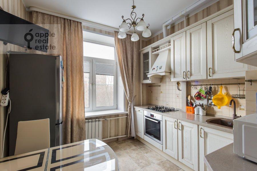 Kitchen of the 4-room apartment at Sharikopodshipnikovskaya ulitsa 2