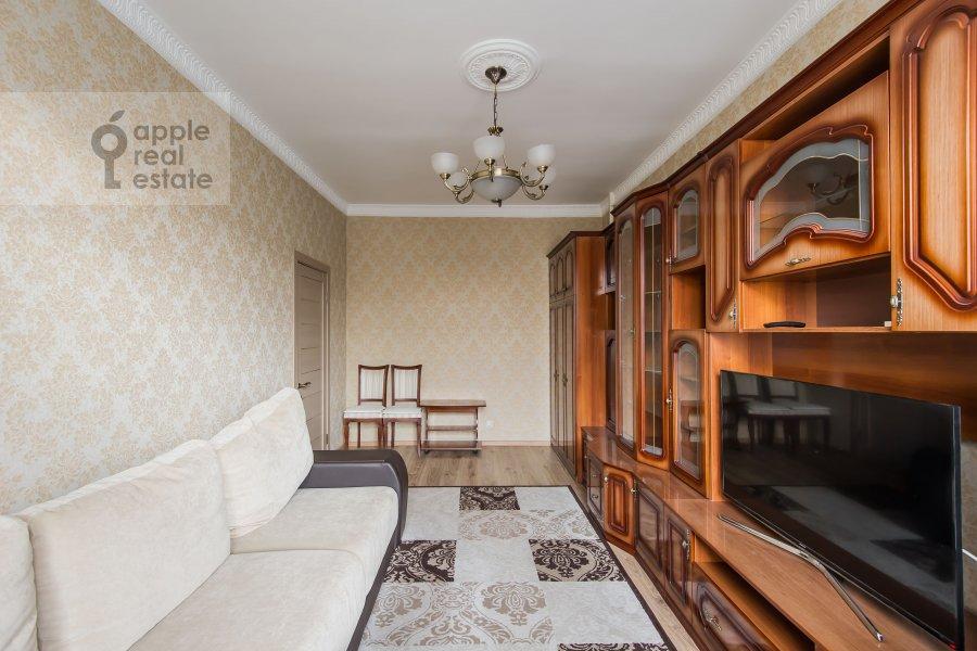 Living room of the 4-room apartment at Sharikopodshipnikovskaya ulitsa 2