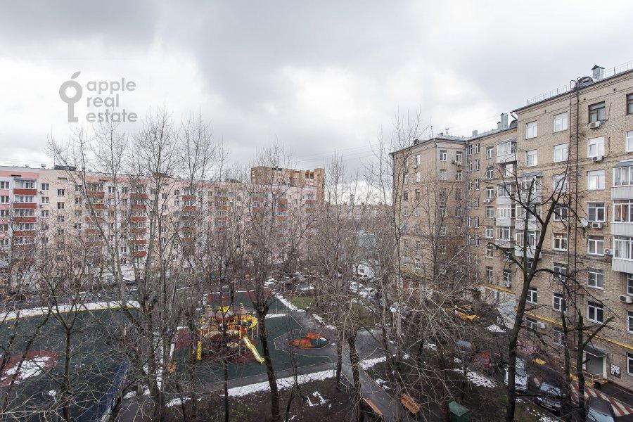 View from the window of the 4-room apartment at Sharikopodshipnikovskaya ulitsa 2