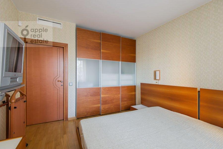 Bedroom of the 4-room apartment at Nikulinskaya ulitsa 27