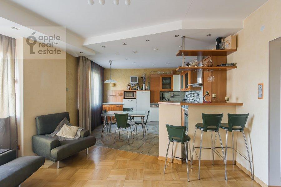 Kitchen of the 4-room apartment at Nikulinskaya ulitsa 27