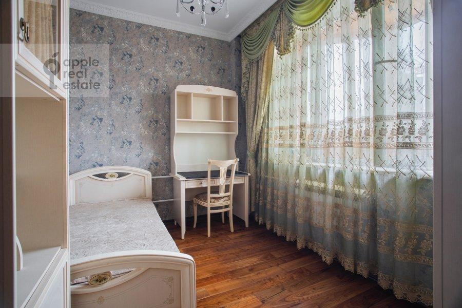 Детская комната / Кабинет в 3-комнатной квартире по адресу Чертановская улица 38к2