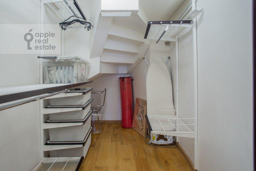 Walk-in closet / Laundry room / Storage room of the 4-room apartment at Bryusov pereulok 2/14S3