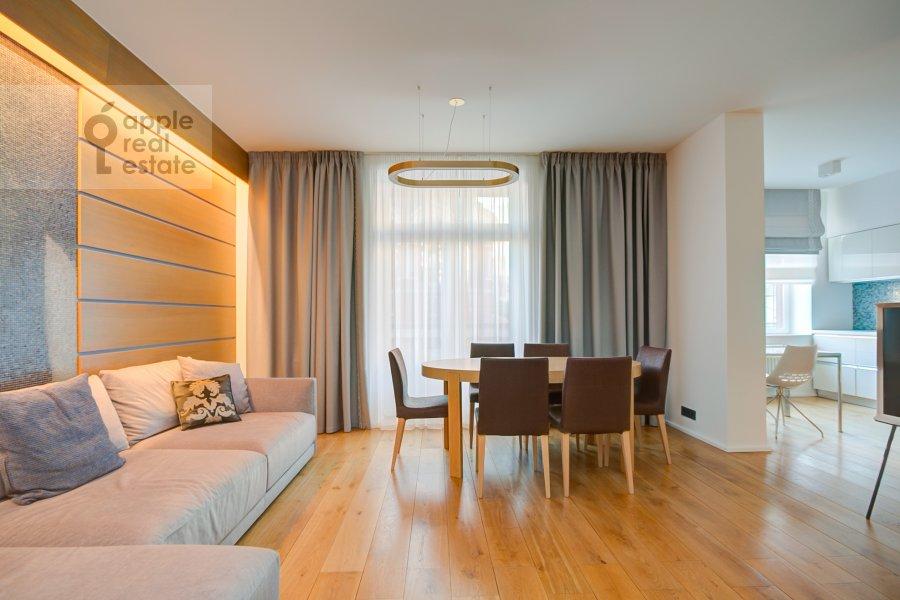 Гостиная в 2-комнатной квартире по адресу Филипповский переулок 13c2