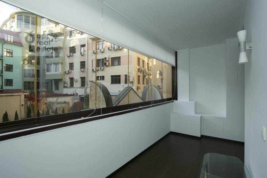 Балкон / Терраса / Лоджия в 2-комнатной квартире по адресу Филипповский переулок 13c2