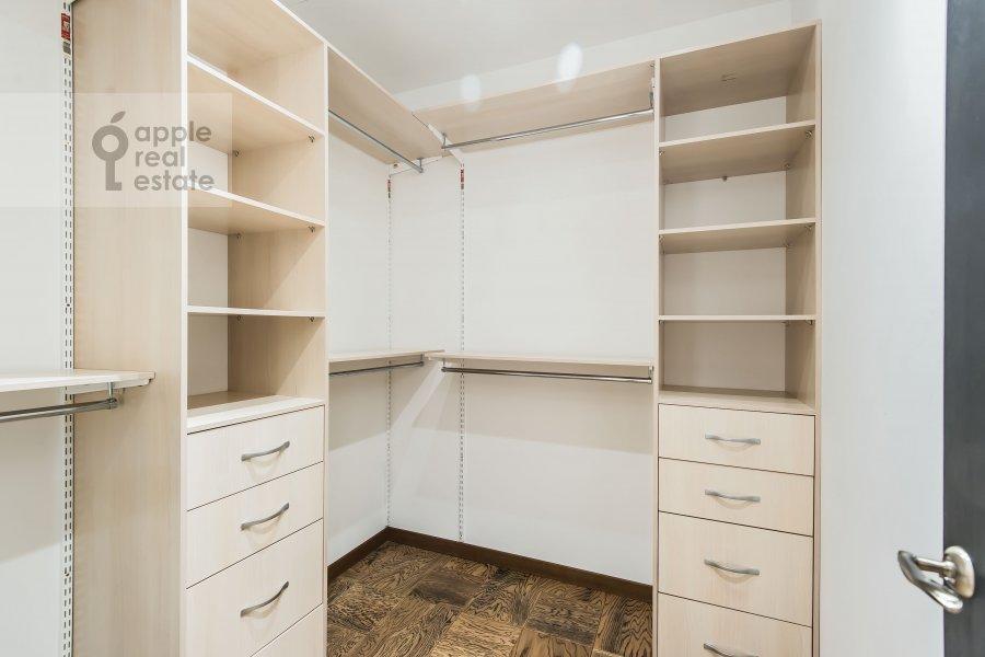 Walk-in closet / Laundry room / Storage room of the 4-room apartment at Bol'shaya Gruzinskaya ulitsa 69