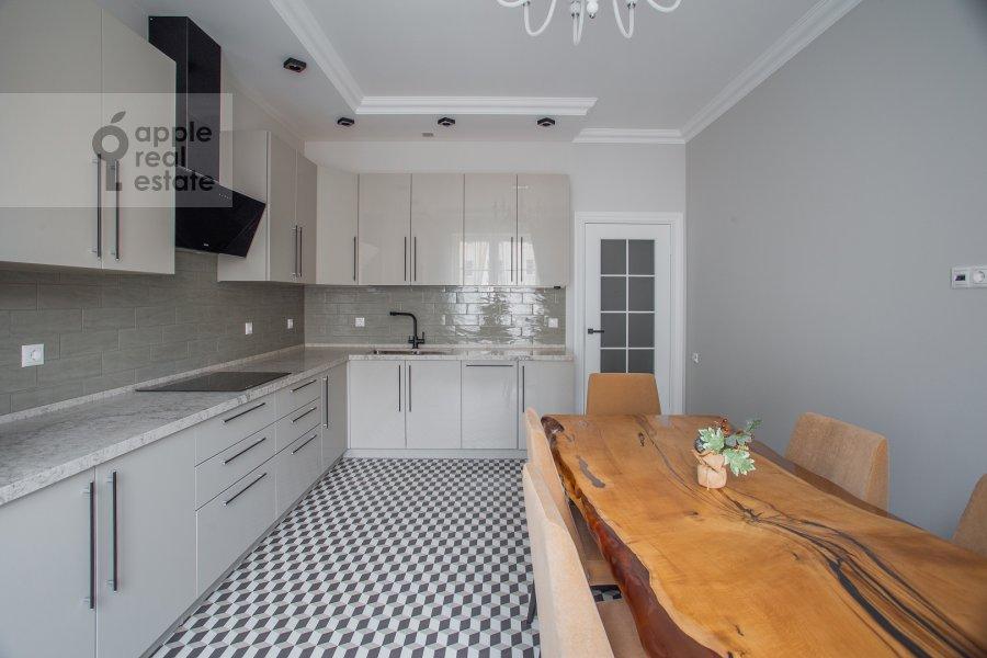 Кухня в 3-комнатной квартире по адресу Мытная ул 7с1