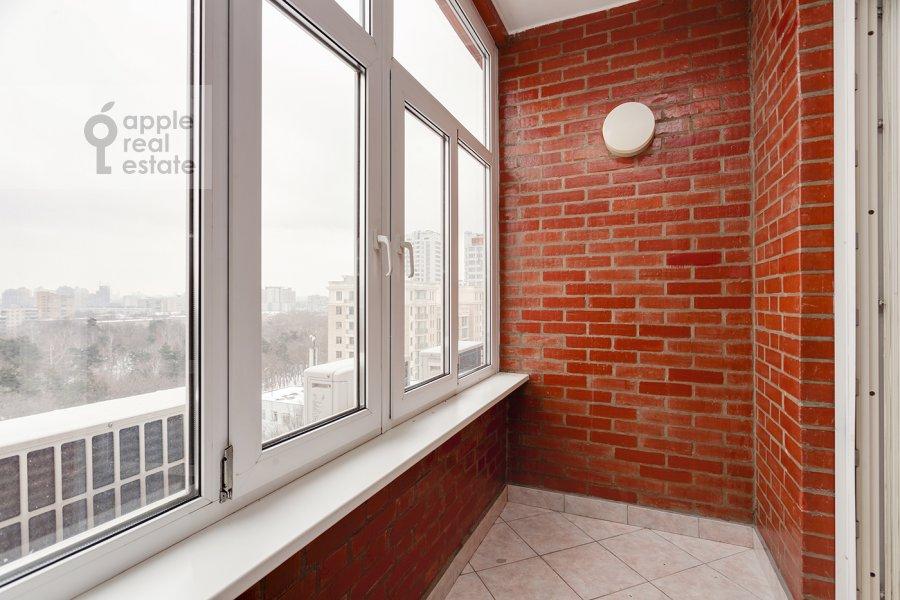 Балкон / Терраса / Лоджия в 4-комнатной квартире по адресу Вересаева 6