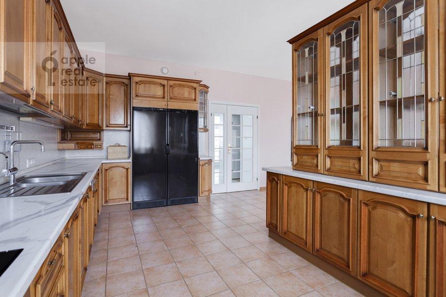 Кухня в 4-комнатной квартире по адресу Вересаева 6