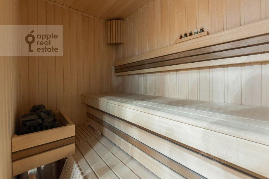 Bathroom of the 3-room apartment at Usacheva ulitsa 2s 3