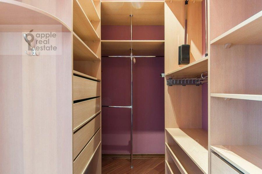 Walk-in closet / Laundry room / Storage room of the 3-room apartment at Usacheva ulitsa 2s 3