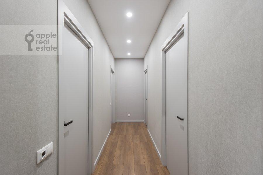 Corridor of the 3-room apartment at Leninskiy prospekt 95B