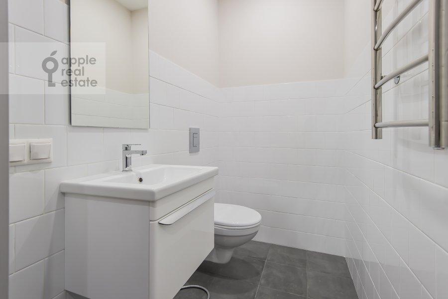 Bathroom of the 3-room apartment at Leninskiy prospekt 95B