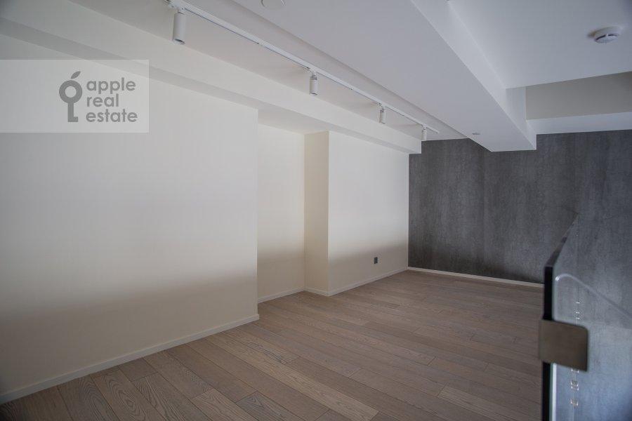 Bedroom of the 1-room apartment at Novyy Arbat 15