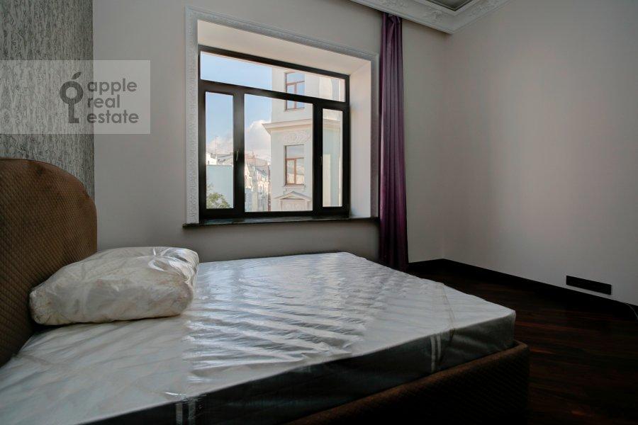 Спальня в 2-комнатной квартире по адресу Мерзляковский переулок 13