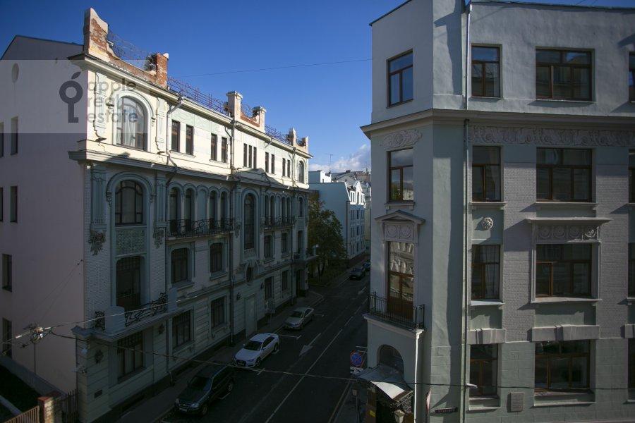 Вид из окна в 2-комнатной квартире по адресу Мерзляковский переулок 13