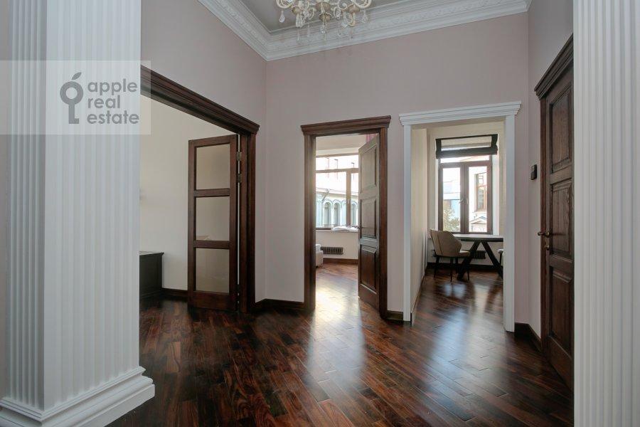 Коридор в 2-комнатной квартире по адресу Мерзляковский переулок 13