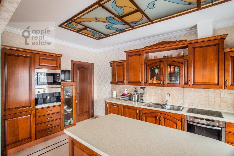 Кухня в 4-комнатной квартире по адресу Страстной бульвар 10к1