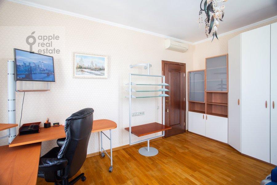 Детская комната / Кабинет в 4-комнатной квартире по адресу Страстной бульвар 10к1
